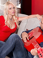 40 Something - Hot Mom Fucks 25-year-old - Savannah Steele (40 Photos)