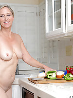 Anilos.com - Freshest mature women on the net featuring Anilos Annabelle Brady mature nude