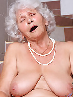 Anilos.com - Freshest mature women on the net featuring Anilos Betty real anilos
