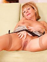 Anilos.com - Freshest mature women on the net featuring Anilos Elaine anilos pic
