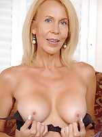 Anilos.com - Freshest mature women on the net featuring Anilos Erica Lauren naked milf