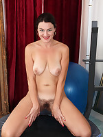 Anilos.com - Freshest mature women on the net featuring Anilos Betsy Long hot moms