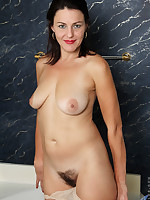 Anilos.com - Freshest mature women on the net featuring Anilos Betsy Long anilos nude wife